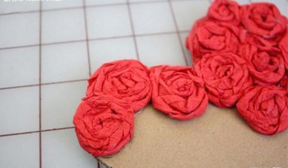 皱纹纸制作心形玫瑰花