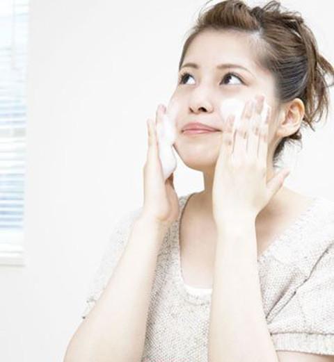 洗脸的正确方法 只需6步