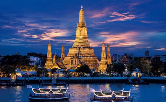 曼谷国际五星 早餐:于酒店内享用 午餐:泰式围餐 晚餐:昭泊雅游船餐图片