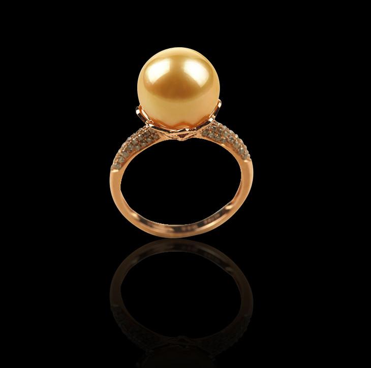18k天然南洋金珠钻石戒指图片