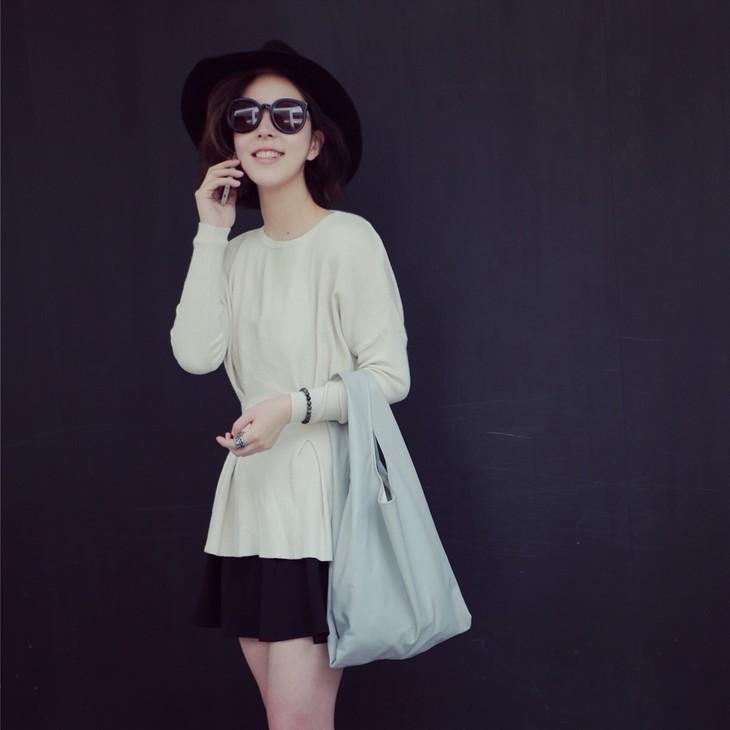 毛衫+打底连衣小黑裙