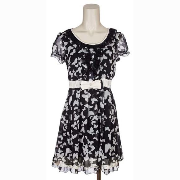 时尚气质黑白色连衣裙瞬间成为小可爱