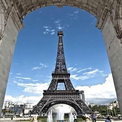 例的法国埃菲尔铁塔