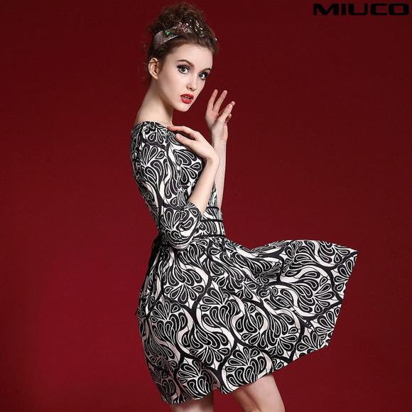 miuco2015欧美早春新款女装复古欧式印花收腰修身伞摆