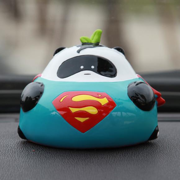 原创懒熊猫超人可爱汽车摆件卡通车载内饰用品公仔