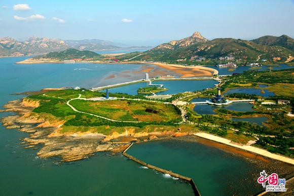 观赏青岛的近海风光感受青岛的特风景&quot红瓦绿树碧海蓝天&quot海滨