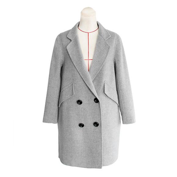 烟灰色大衣搭配什么包包