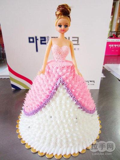 可爱芭比娃娃奶油蛋糕