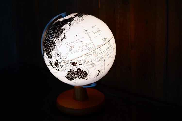 台湾制造 20cm欧式英文版高清发光地球仪 led地球仪灯