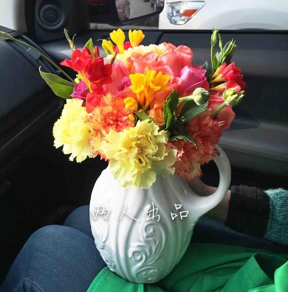 缤纷灿烂瓶花图片