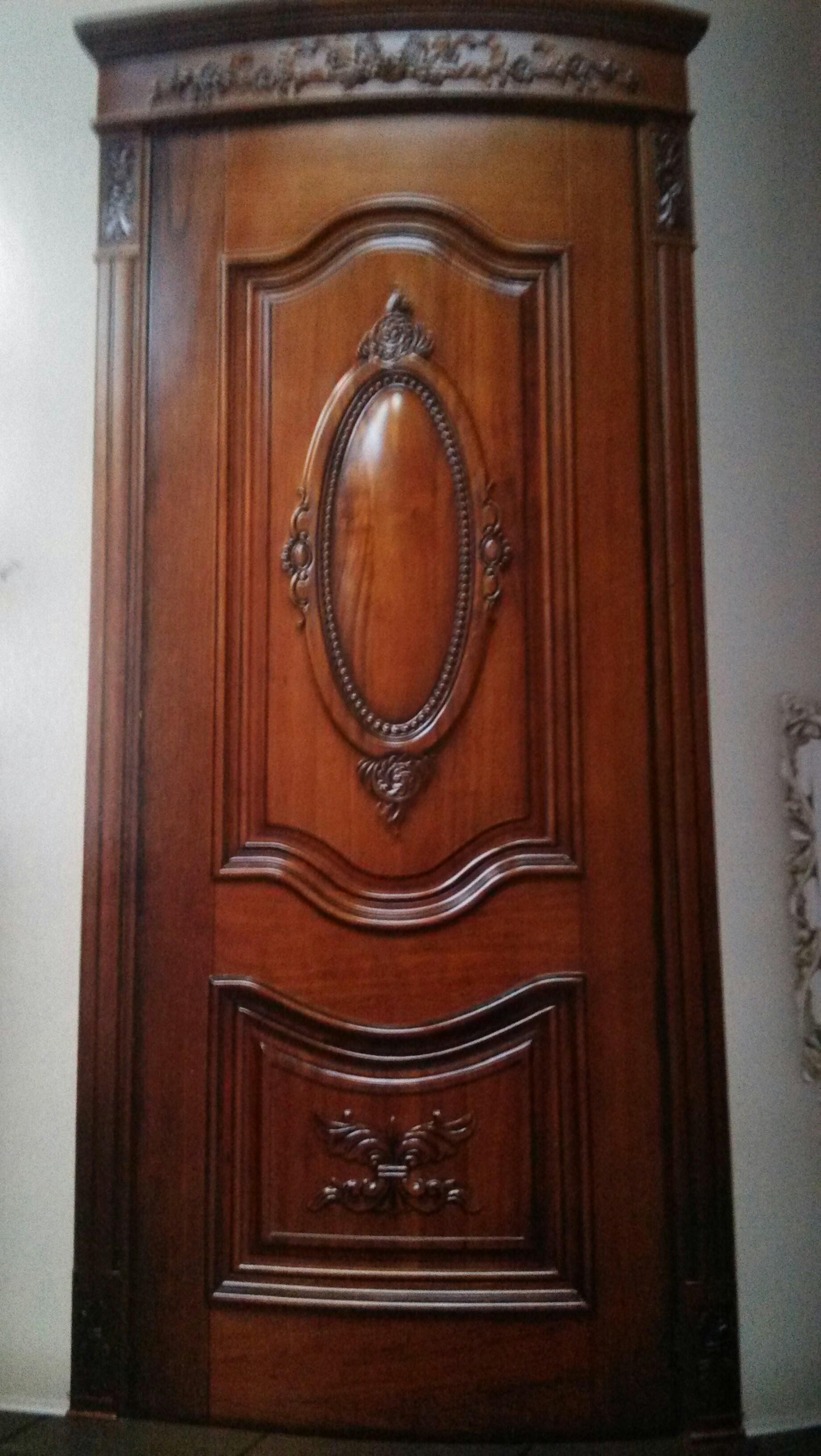 本企业生产的系列产品:现代套装烤漆门,欧式门,模压门,日式推拉门