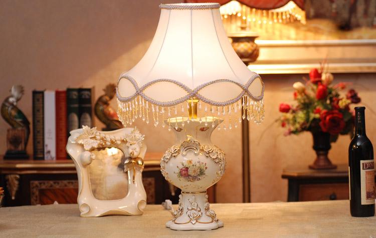 英伦欧堡 精美象牙瓷陶瓷台灯欧式高档家居装饰摆设 卧室灯饰摆件