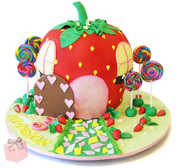 覆盖在蛋糕体上,再以各种糖塑的花朵,动物等作装饰,做出来的蛋糕如同