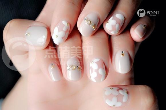 2号推荐款: 樱花长裙 - 点睛创意美甲沙龙