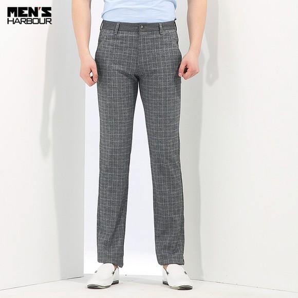 男人格子裤子搭配短袖图片