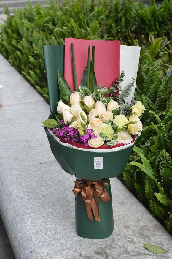 花束 鲜花 桌面