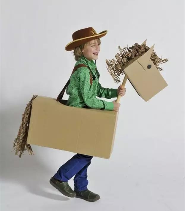 动手用纸箱做一种动物