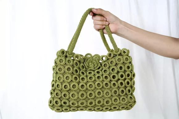辣妈微帮                         本店售出纯手工编织的包包,还有