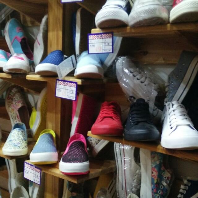 布鞋店铺装修图