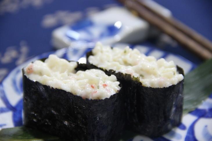 海鲜沙拉寿司(2枚)