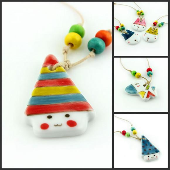 商品详情 颜色: 小房子,小河马,小马 产品类别: 项饰 材质: 陶瓷