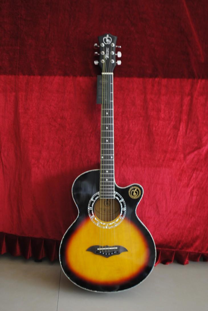 吉他 f和弦和B和弦怎么弹