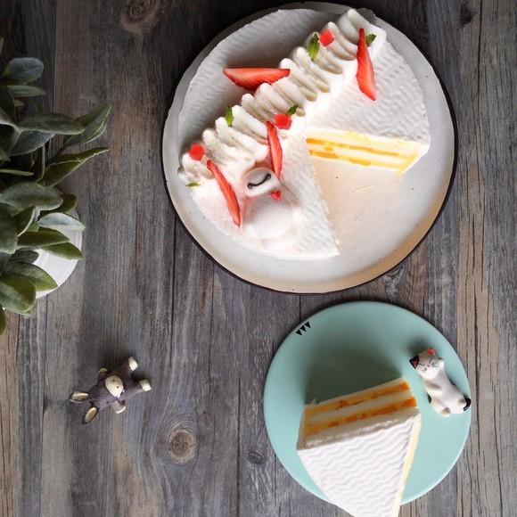 详情咨询客服哦 ------------------ 选用独特纯白天使蛋糕胚 新鲜