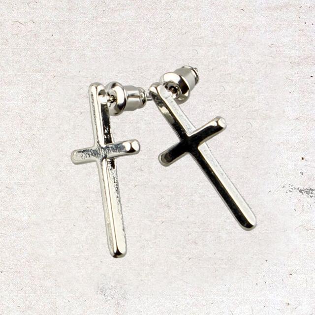 十字架耳钉图片