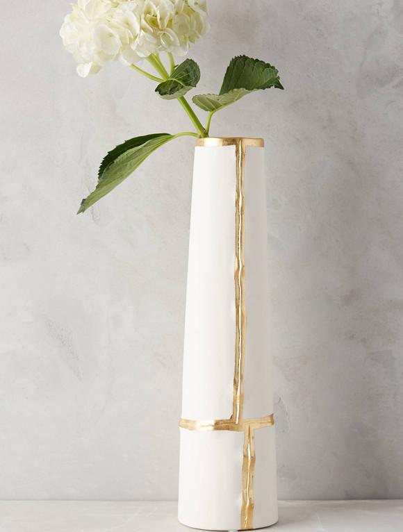 花瓶手绘金色线稿