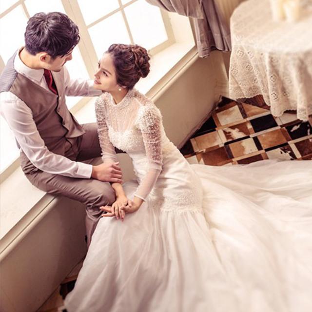 5,新娘拍照当天专业形象设计师精致美妆一次,造型三次 新郎绅士服务